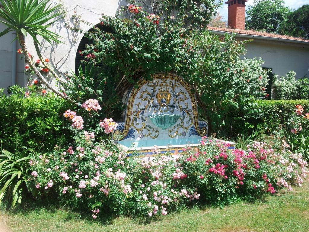 Giardino garden club livorno - Piastrelle siciliane decorate ...